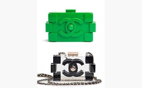Clutch Lego da Channel, vista na māo de algumas famosas.