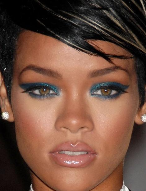 Barbara Machado - Maquiagem - Inverno Azul Rihanna