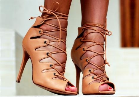 Barbara Machado - Sapatos: Sandálias Gladiadoras no Verão 6