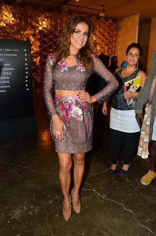 Barbara Machado - Looks - Barriga de fora 2