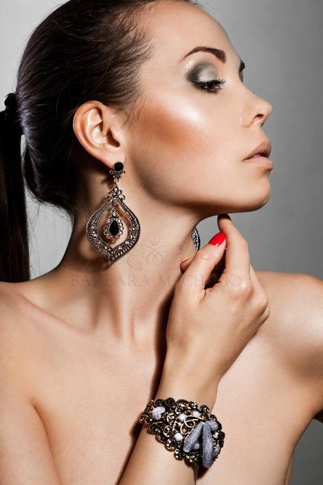 Barbara Machado - Maquiagem - Sombra Prata_2
