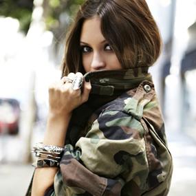 Barbara Machado - Moda Militar