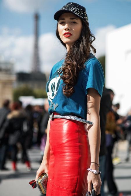parijs-streetstyle-rood-leren-rok