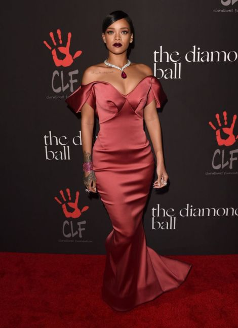 rihanna-at-1st-annual-diamond-bell-benefit-in-beverly-hills_6