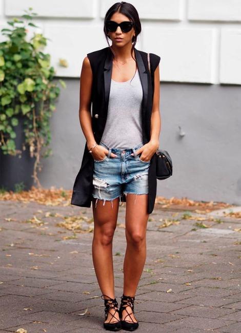 look-shots-bermuda-jeans-sapatilha-colete